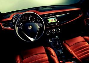 2014-Alfa-Romeo-Giulietta-interior1-1024x726
