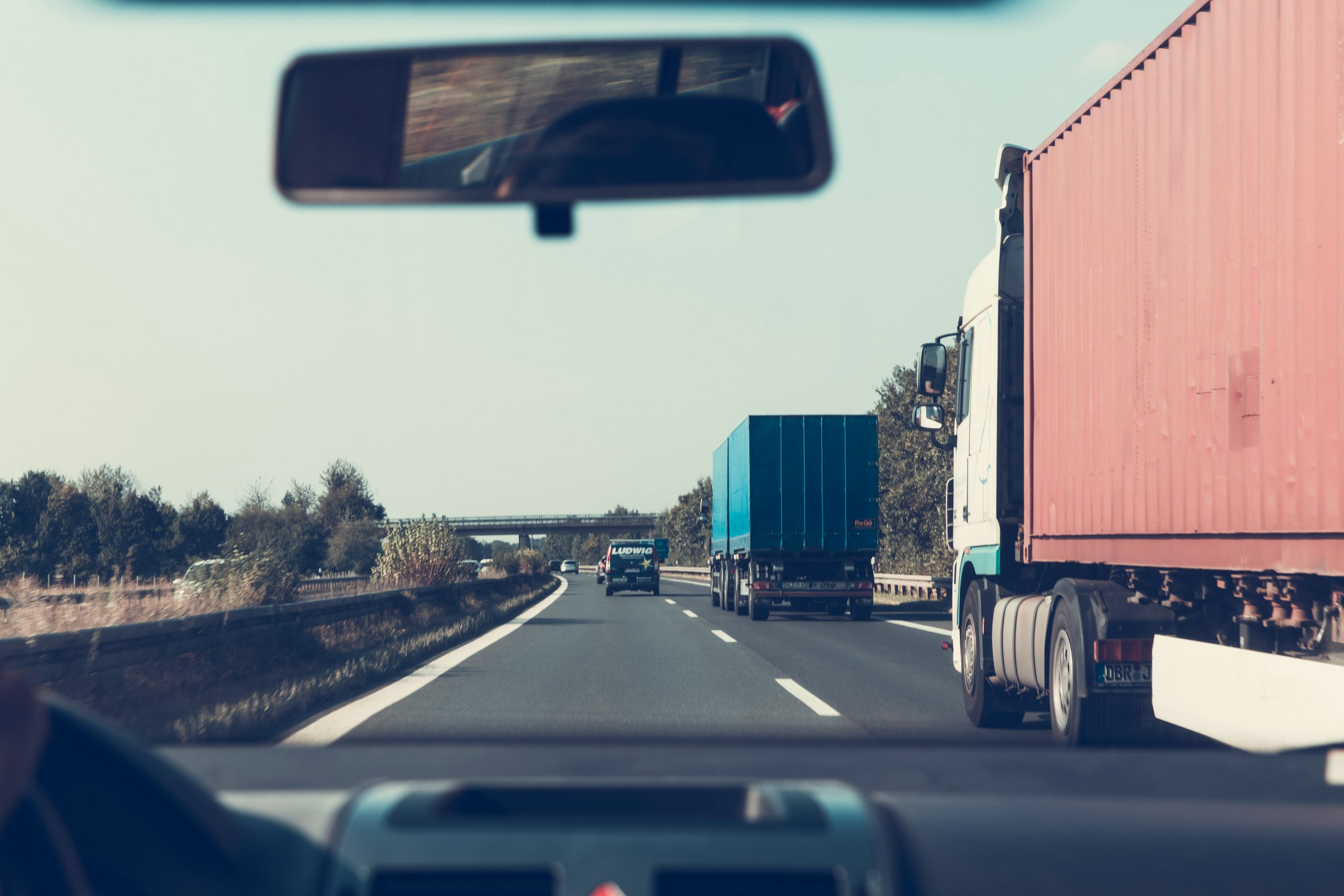 Top 5 Industries That Use Trucking